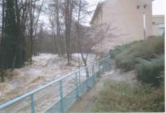 Le Dorlay en crue rue Sauzéa 2003.jpg