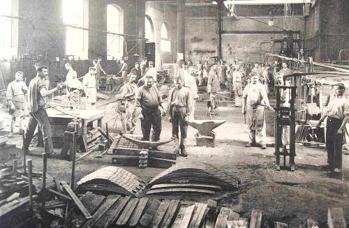 ateliers des usines d'Assaillyphoto4.JPG
